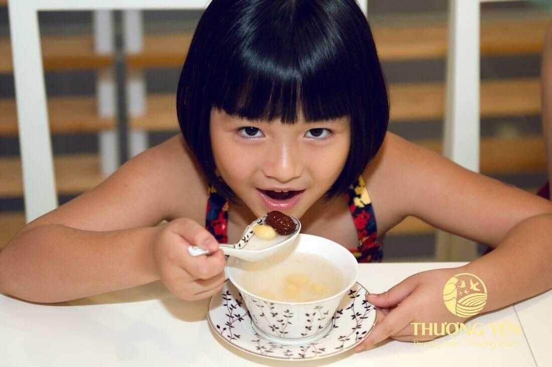 Tạo cảm giác ăn ngon miệng cho bé