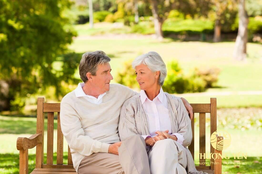 yến sào còn giúp cho tinh thần của người lớn tuổi thoải mái, dễ chịu và vui vẻ hơn