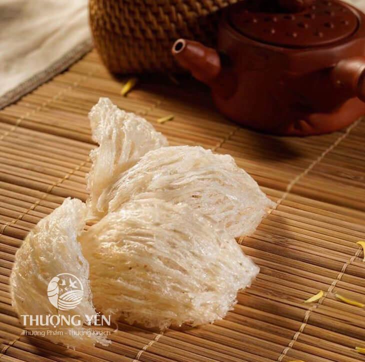 thuongyen-yentinhche
