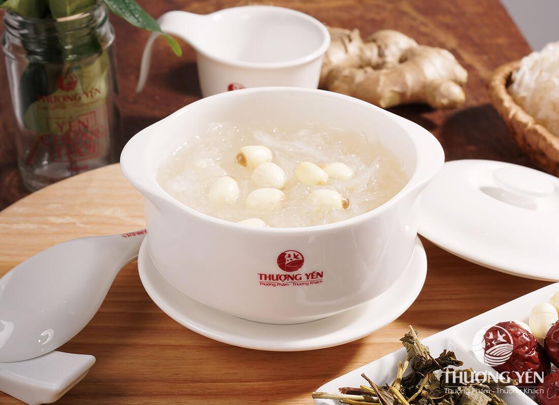 Chè tổ yến hạt sen thơm ngon mà còn giúp thanh nhiệt, bồi bổ sức khỏe