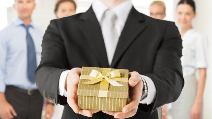 Nên tặng quà gì cho doanh nghiệp để đủ tâm đủ tầm?