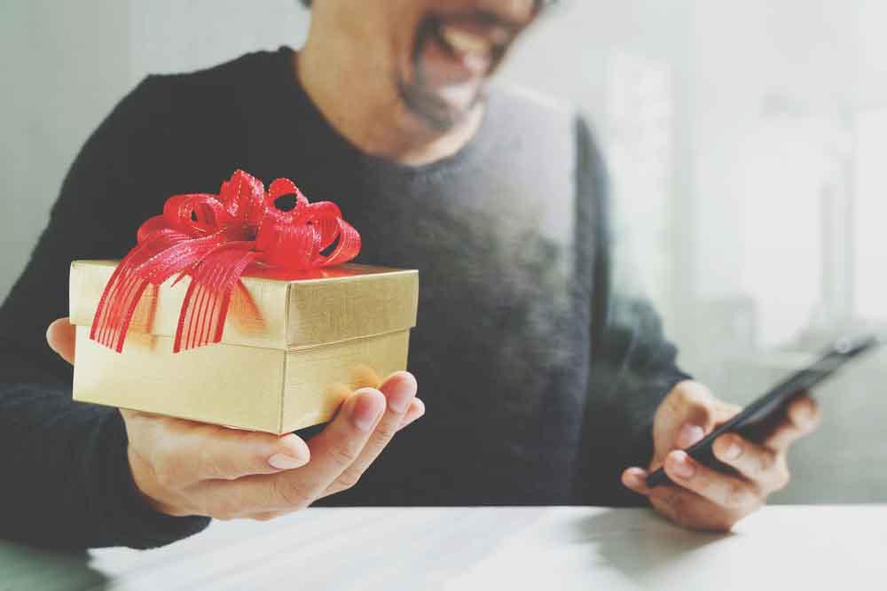 Mẫu quà tặng khách hàng đẳng cấp doanh nghiệp đừng bỏ qua