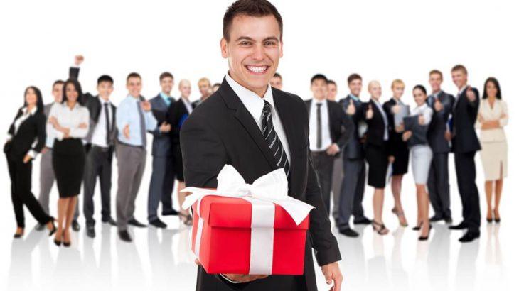 những món quà tặng chăm sóc khách hàng phổ biến