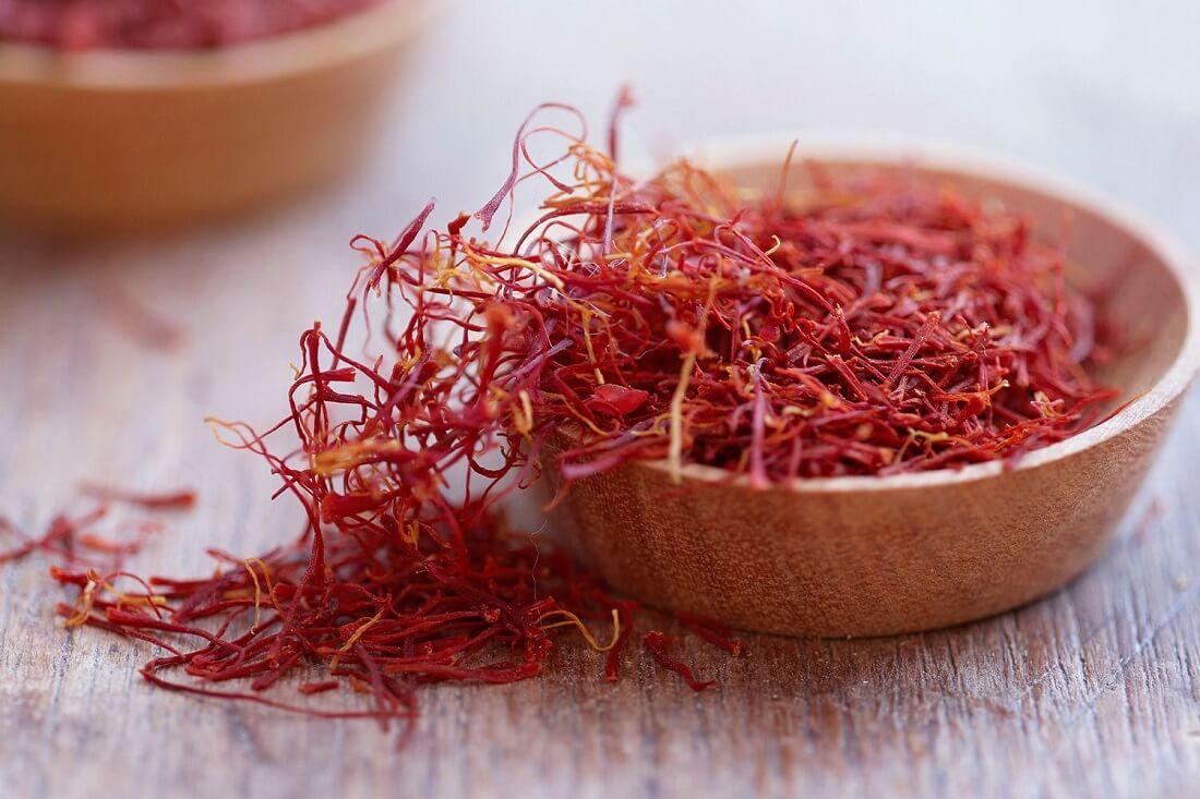 yến chưng saffron
